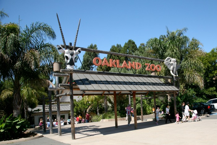 Oakland_Zoo_entrance